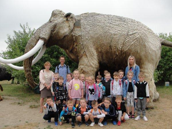 Wycieczka przedszkolaków starszych doDeli Parku