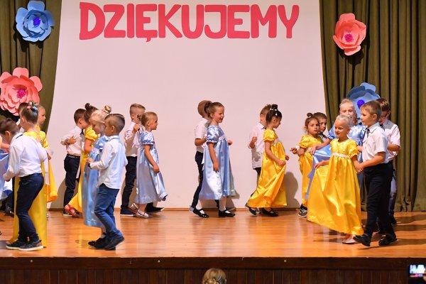 Siedmiolatki żegnają Przedszkole