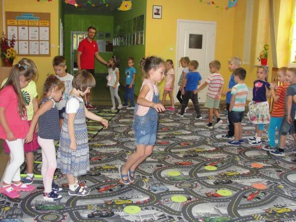 Zajęcia sportowe dla dzieci z Red Dragonsami