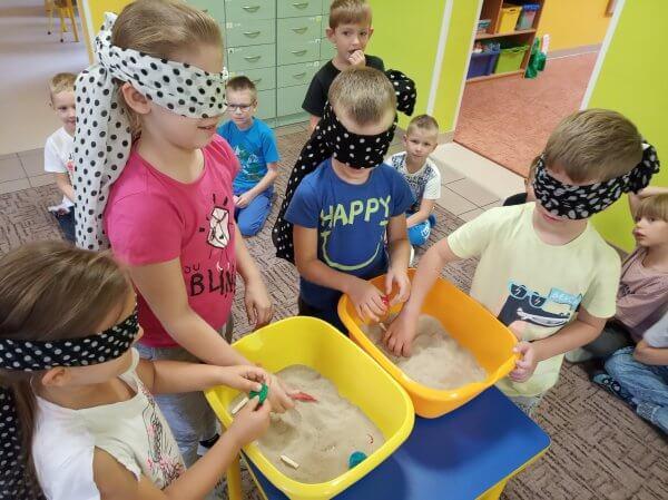 Zabawy badawczo – eksperymentalne sześciolatków.